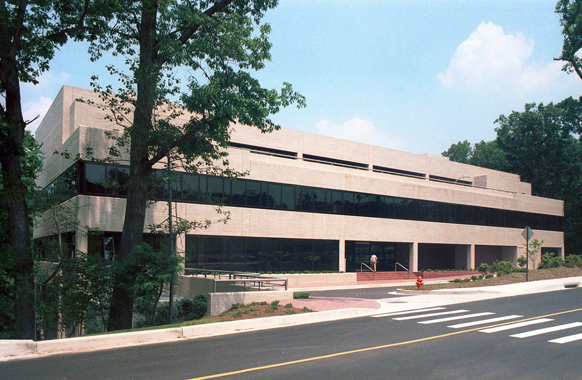 STScI building in 1983